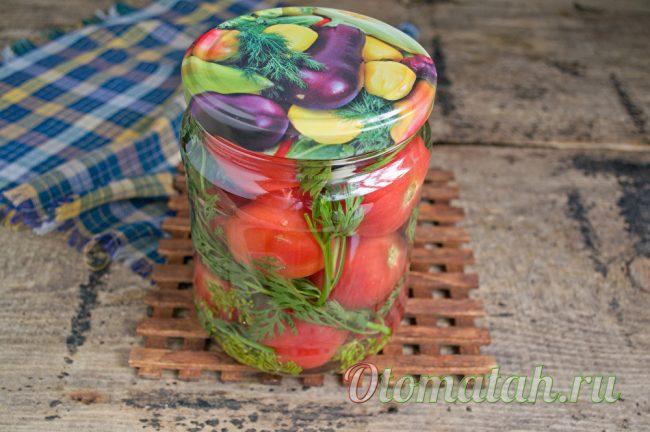 Баночка с маринованными помидорами