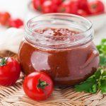 томатная паста и помидоры