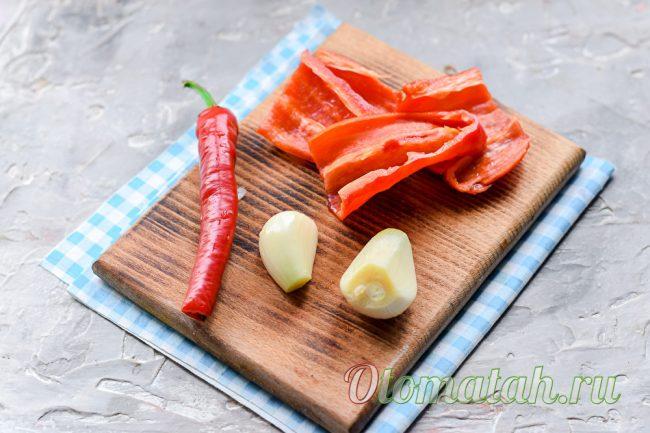 перец, чили и чеснок