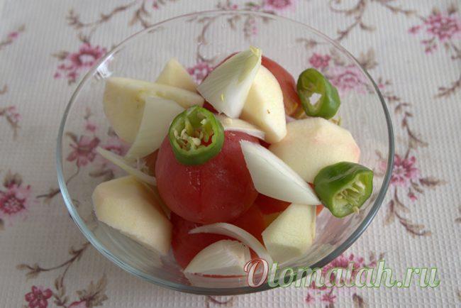 томаты, яблоки, лук и чили