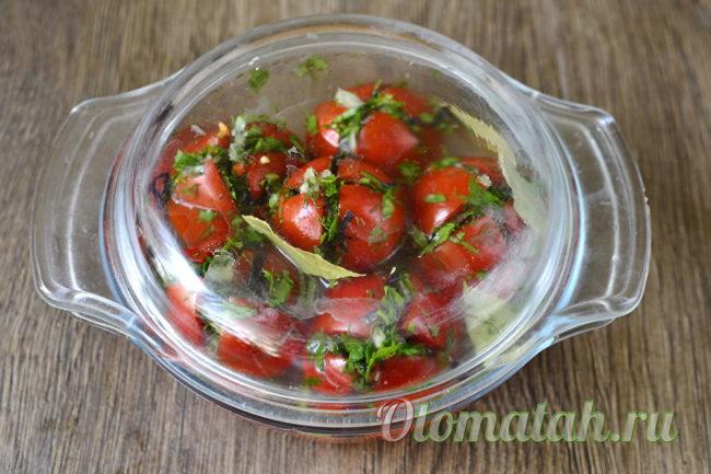 накрыть помидоры крышкой