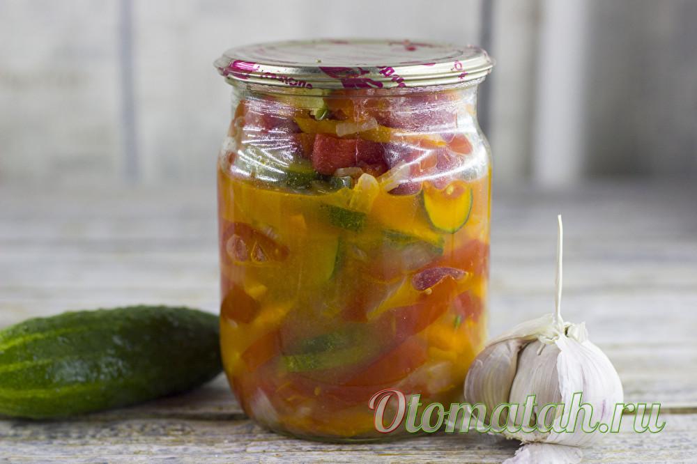 Салат из огурцов и помидор