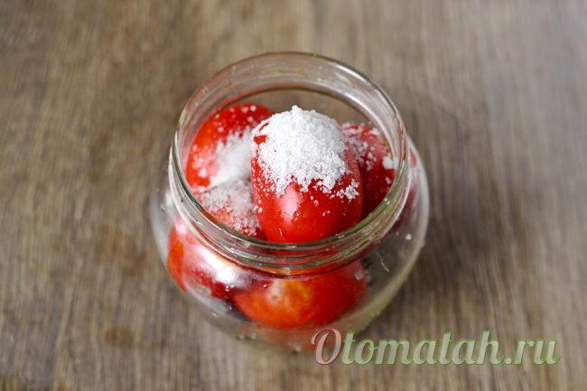добавляем соль и уксус
