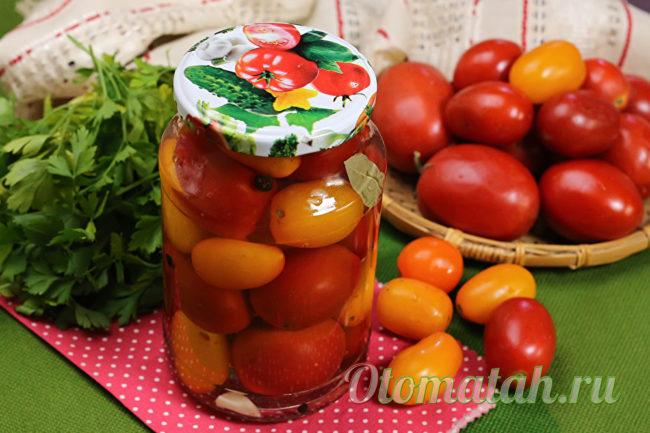 баночка сладких помидор