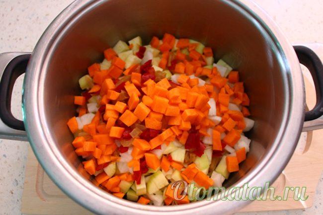 нарезать морковь