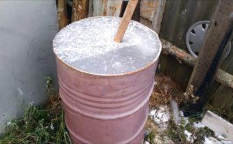 вода в бочке зимой