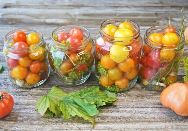 zheltye tomaty